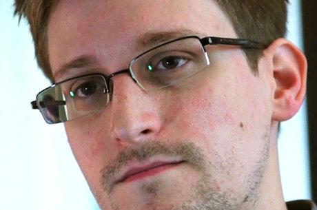 Edward Snowden, ex-prestador de serviços da NSA, revelou a existência de programas secretos de espionagem dos EUA