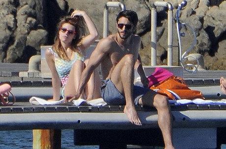 Bárbara foi flagrada por revista italiana com o novo namorado
