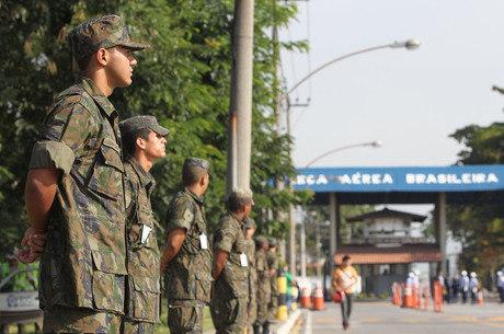 Aposentadoria dos militares ficou de fora da reforma