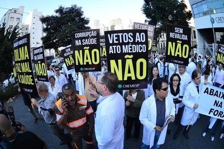 Na terça-feira (16) médicos fizeram protesto em SP