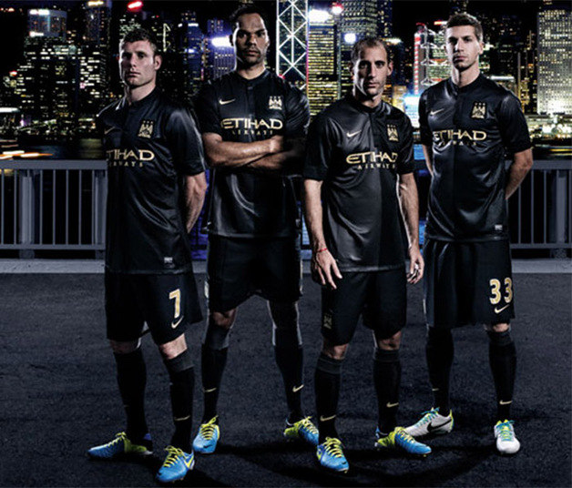 uniforme manchester city negro
