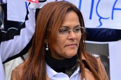 Mãe de Bianca Consoli, antes do início do júri, que não dormiu