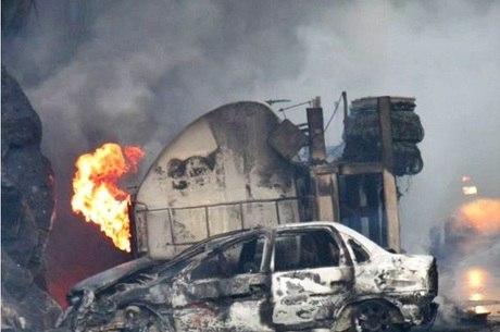 Acidente BR-116, em Leopoldina, ainda deixou 10 feridos