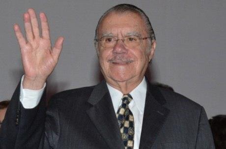 Sarney avisou a Dilma que não vai concorrer a vaga no Senado