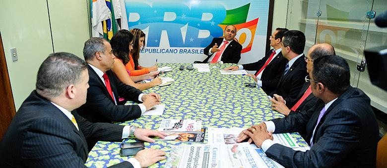 Reunião entre parlamentares do PRB e deputado Protógenes Queiroz (PCdoB-SP) selou pedido de CPI contra Globo