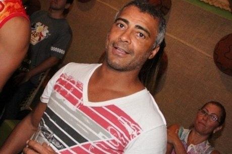 Romário passa por duas cirurgias, diz jornal