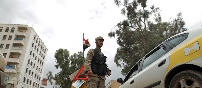 Forças de segurança iemenitas foram mobilizadas em frente às embaixadas dos EUA, Reino Unido, França e Alemanha