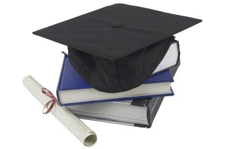 Instituições e suas mantenedoras devem manter as atividades das secretarias para a entrega de documentos a estudantes
