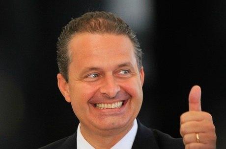 Campos quer se reunir hoje ou amanhã com Dilma para o anúncio