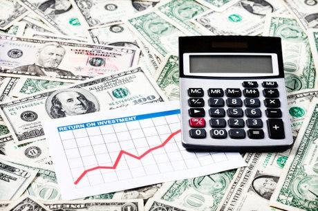 Dólar atingiu R$ 3,74 na máxima do dia