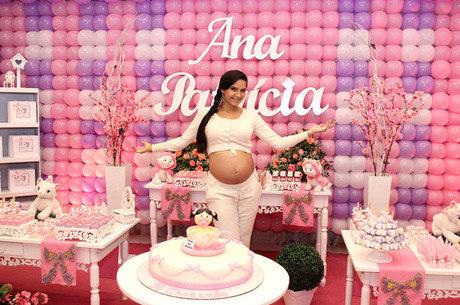 Shayene Cesário já é mamãe de Ana Patrícia