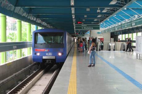 Linha tem 14 km de extensão e recebe, em média, 515 mil ususários