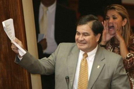 Brasil concedeu asilo política ao senador