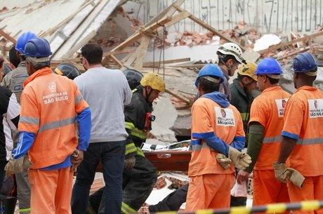 Oito pessoas morreram em desabamento de prédio na zona leste