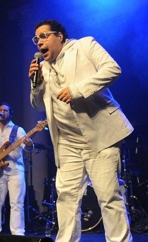 Tiago Abravanel que viveu Tim Maia em musical e estreou na TV em Salve Jorge