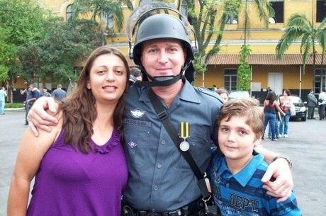 Para a polícia, garoto de 13 anos matou a família e depois se matou