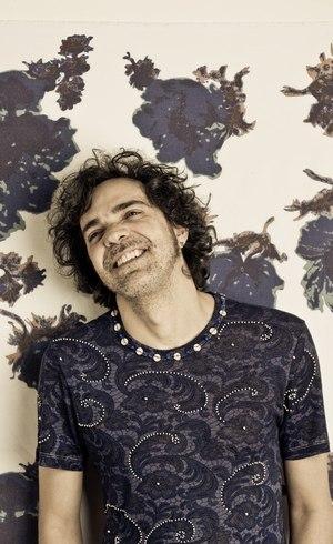 Paulinho Moska lança disco, faz filme e ainda mantém programa na televisão