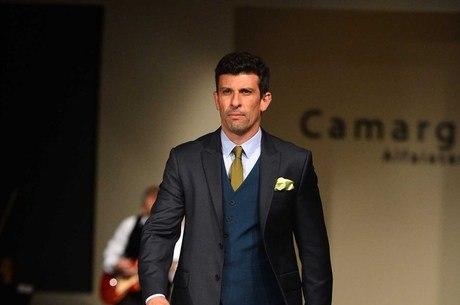 Milhem Cortaz ganha prêmio de melhor ator por Fora de Controle