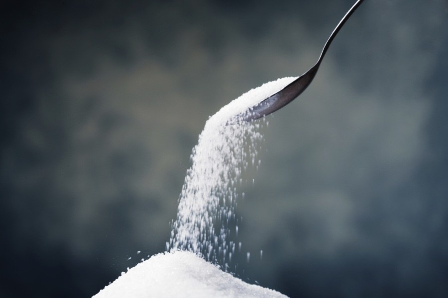 Açúcar é mais prejudicial para a pressão que o sal, aponta estudo
