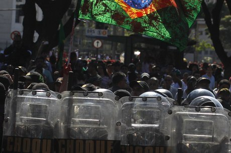 Protestos foram menos expressivos do que os do mês de junho