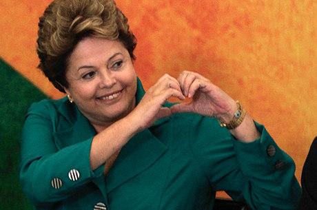 Avaliação positiva do governo Dilma subiu para 38,1%, segundo CNT