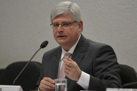 Janot quer evitar que investigações criminais fiquem paradas