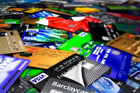 Especialistas recomendam que consumidores devem se preparar financeiramente para o pagamento da fatura