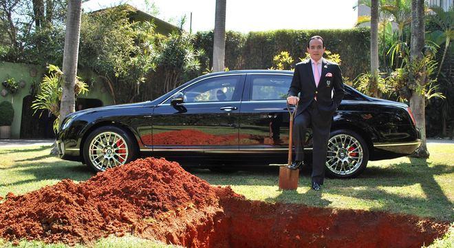 Chiquinho Scarpa pretende enterrar o Bentley Continental