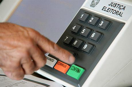 Eleitor não verá a urna Eletrônica nas próximas eleições de outubro