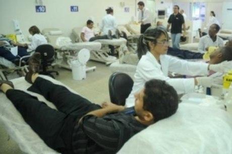 Hemocentro de Brasília precisa de ajuda para reabastecer o estoque de todos os tipos sanguíneos