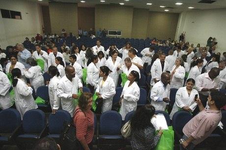 Evento do Mais Médicos; parte dos profissionais ficou no Brasil