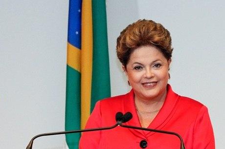Dilma fará entrega de máquinas a prefeitos da região