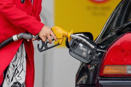 Desde outubro de 2016, a Petrobras determina mensalmente reajustes de preços da gasolina e do diesel nas refinarias