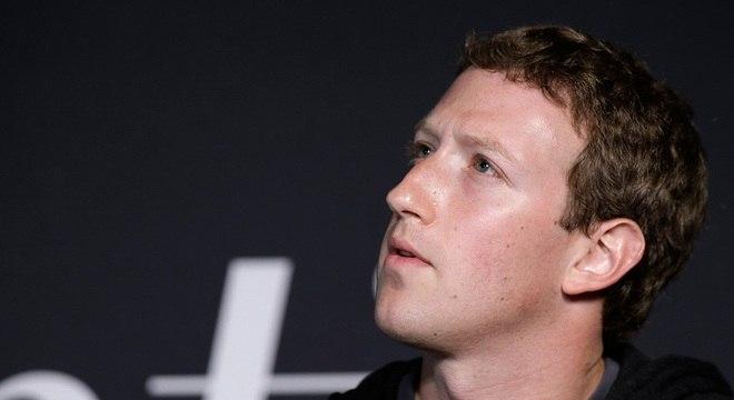 Mark Zuckerberg relutou, mas admitiu os erros de sua plataforma