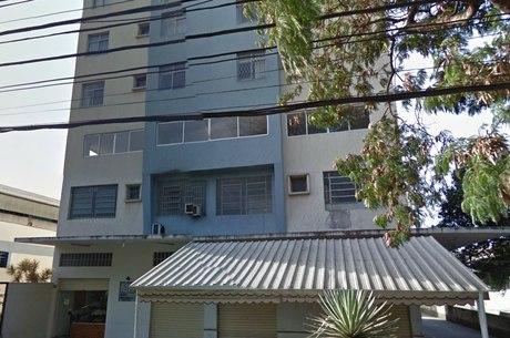 Irmã da vítima foi quem encontrou o corpo no apartamento