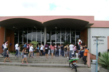 No total, o Brasil possui 2.391 instituições de ensino superior, que oferecem pouco mais de 32 mil cursos de graduação