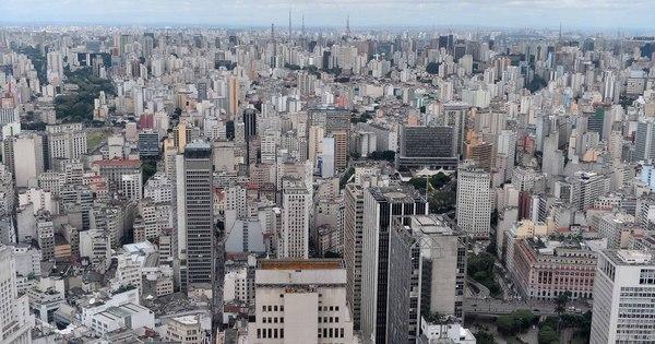 Sexta sem carro fecha ruas no centro de São Paulo para veículos
