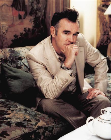 Assustado, Morrissey reclama de abuso policial na Itália