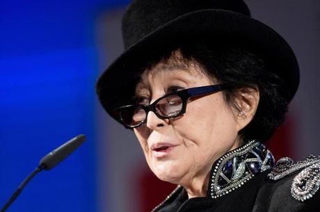 Yoko alegou que Seaman deobedeceu ordem judicial