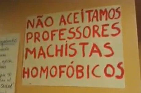 Estudantes fizeram protestos contra docentes