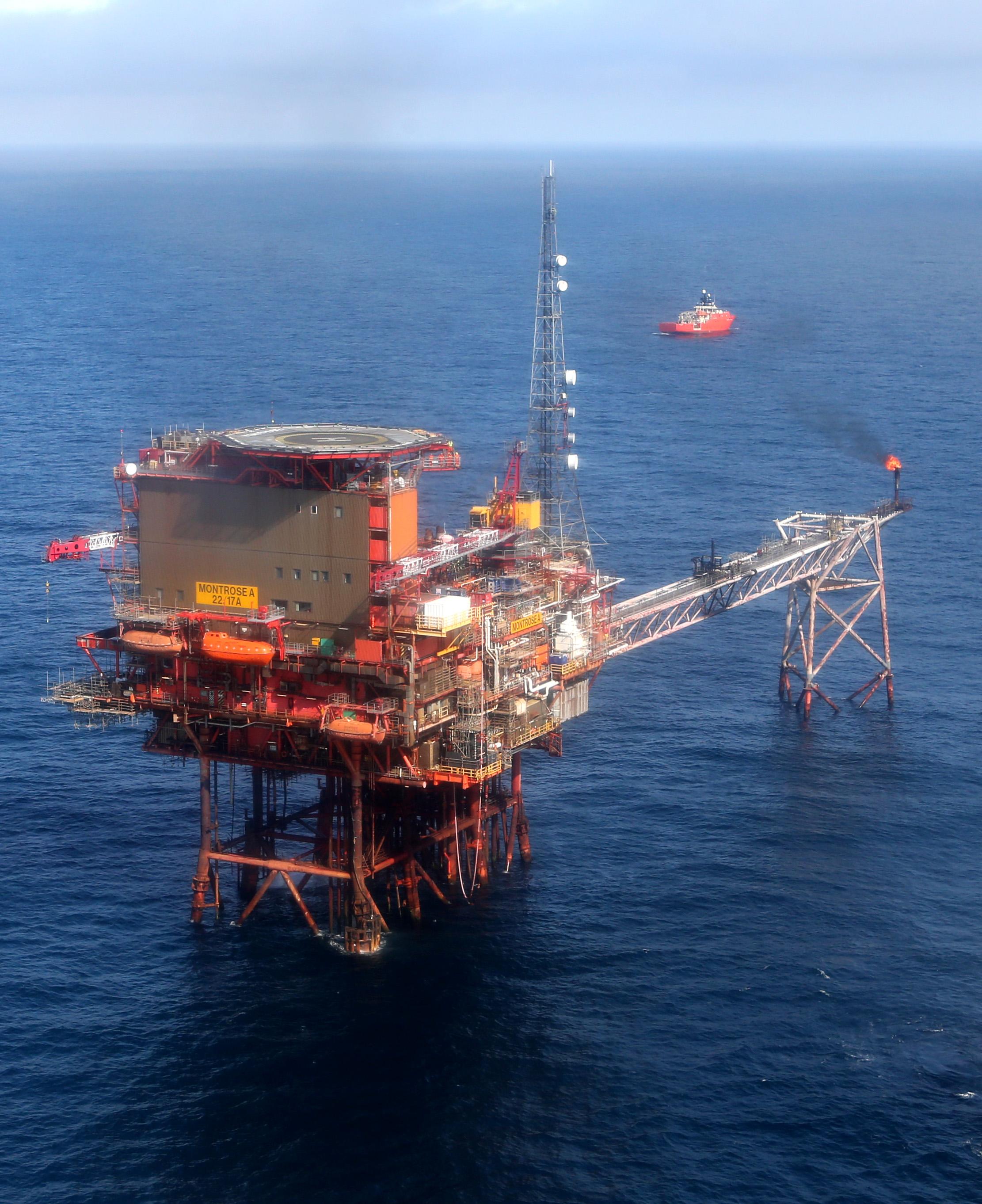 Quem ganha e quem perde com a queda do preço do petróleo