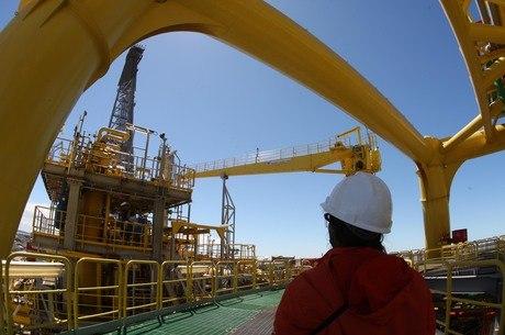 """Petroleiros afirmam que greve será uma """"advertência"""""""