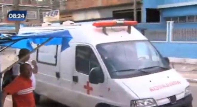 Família conta que hospital disse que não tinha ambulância disponível, mas quando chegaram ao local havia uma