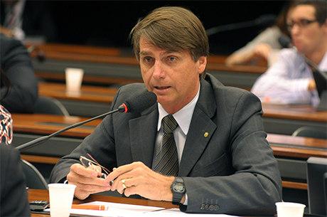Bolsonaro lançou candidatura independente e quase leva comissão