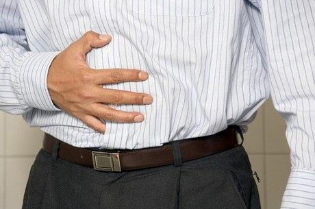 Doença de Crohn e Retocolite Ulcerativa podem provocar diarreia contínua, dor abdominal, cansaço e perda de peso