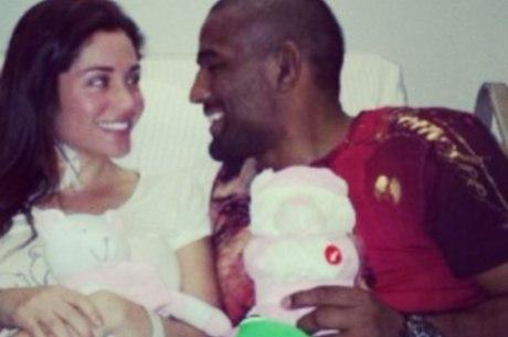 Maria Melilo recebe a visita do noivo em hospital de São Paulo