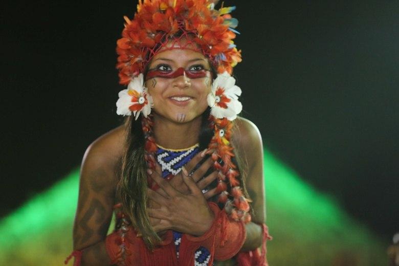 Brazil o dia da secretaria sc2 melissa moraes latina a75 - 1 10