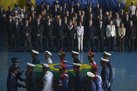 Em 2013, o corpo de Jango foi recebido com honras em Brasília
