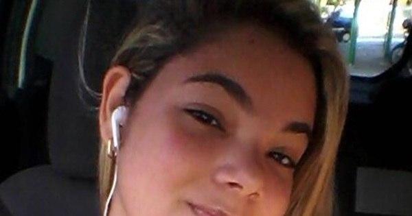 Vídeo íntimo vaza no WhatsApp e menina se mata no Piauí - Fotos ...: http://noticias.r7.com/tecnologia-e-ciencia/fotos/video-intimo-vaza-no-whatsapp-e-menina-se-mata-no-piaui-21112013