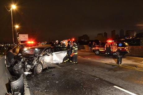 Dois veículos se envolveram em acidente na zona leste de SP
